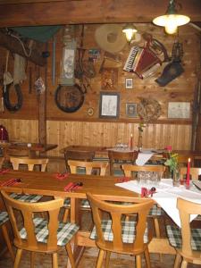 A refurbished chicken coop accomodates diners.
