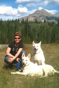 Birgit Hilsbos & her dogs.