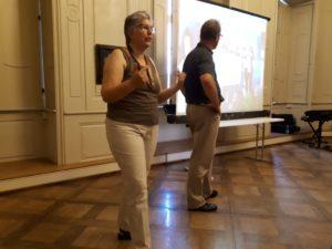 Former Bönnigheim Mayor Kornelius Bamberger and author Ann Marie Ackermann hold a Powerpoint presentation about their trip to America.