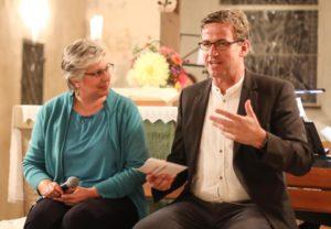 Pfarrer Burger interviewt Autorin Ann Marie Ackermann über Recht, Gerechtigkeit, und den Rieber-Mord.