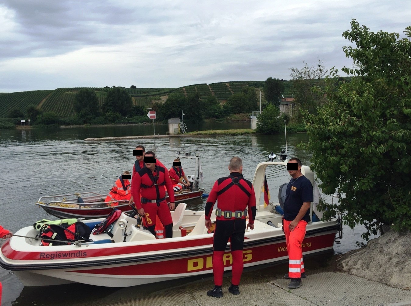 If you encounter difficulties on Lauffen's waters, the Regiswindis rescue boat just might pick you up. It's operated by the DLRG, Germany's water rescue organization, in Lauffen.