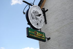 Yet another example of a brewer's star incorporated into a pub sign.